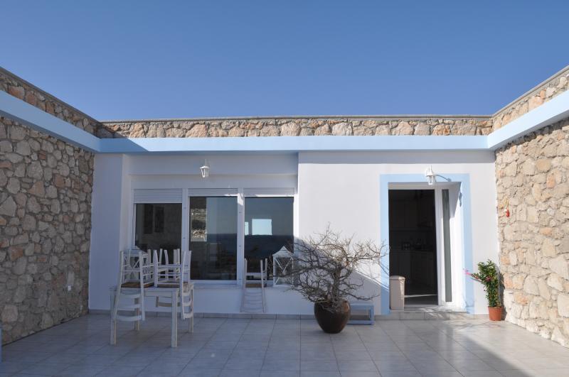 villa a Karpathos, aluguéis de temporada em Amoopi