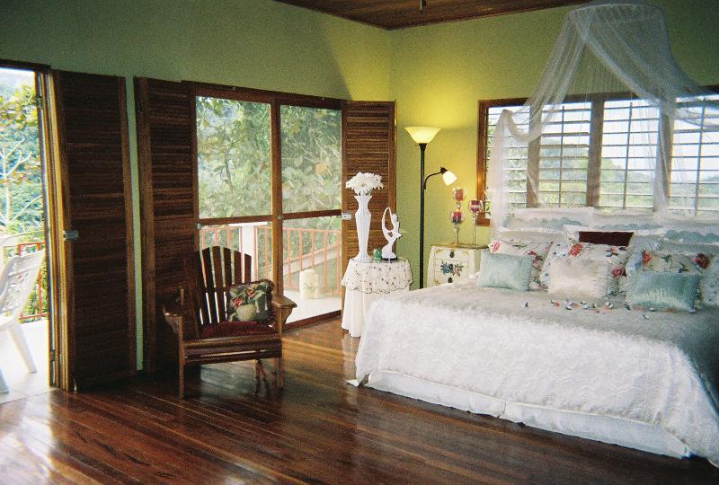 Mastr Bedroom / Private Balcony