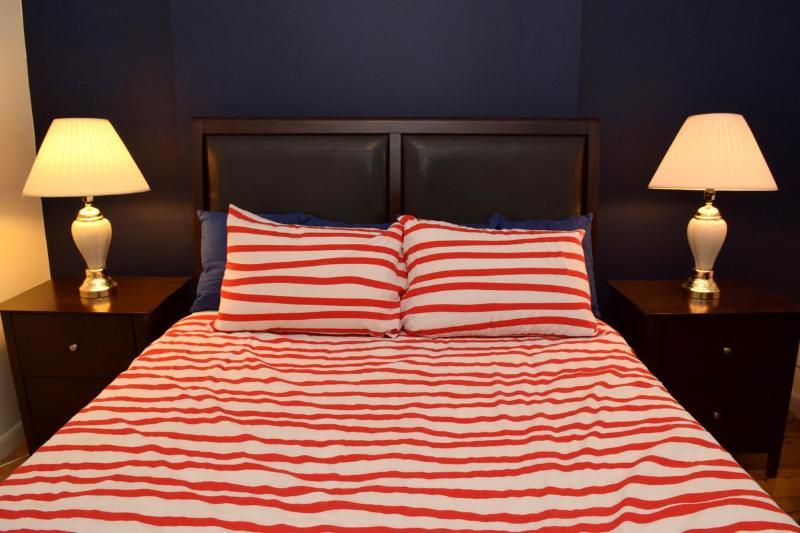 (4D) 1 Bedroom Just Off Park Ave, location de vacances à Maspeth