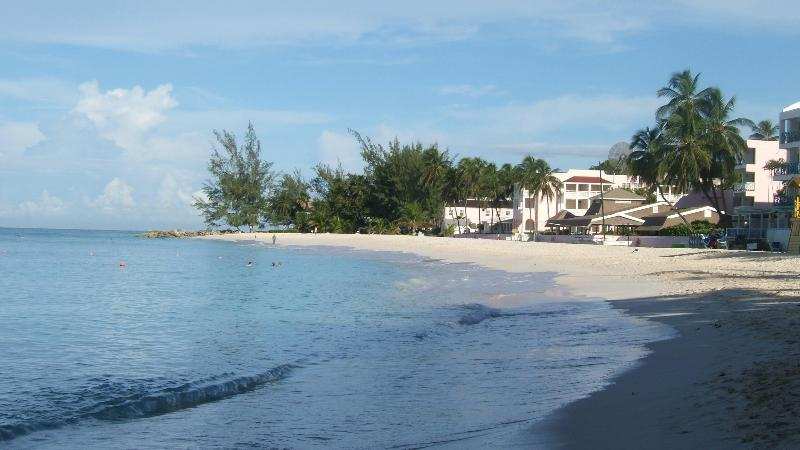 Apartment in St Lawrence Gap, Barbados, holiday rental in Oistins