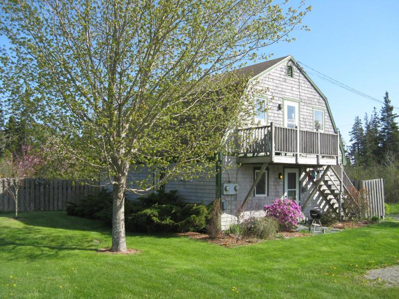 Aldernest Cottage = upstairs (loft)  Private 2-acre lot - walk across the lawn down to the shore