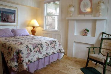 On the beach 1 Bedroom Gulf Apartment, vacation rental in Indian Shores