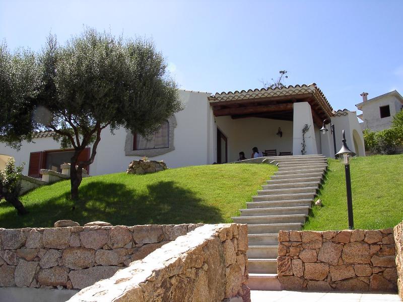 Grottino in Villa Bifamiliare, location de vacances à Aggius