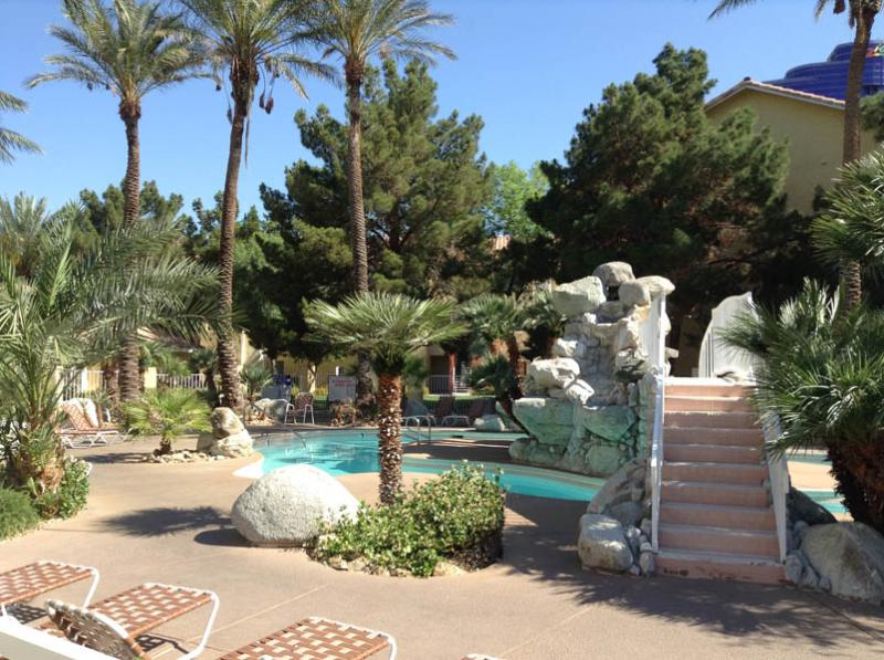 A Tranquil Setting Only A Stone's Throw From All The Action!, alquiler de vacaciones en Las Vegas