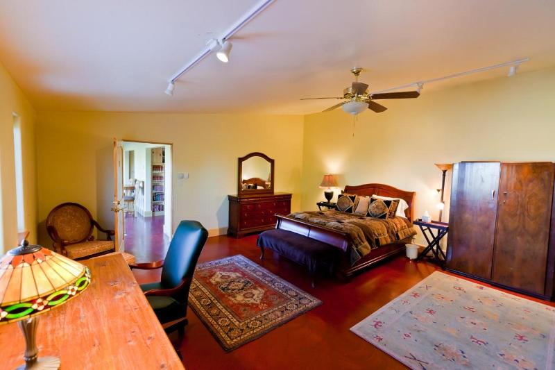 Truchas Peaks Place, holiday rental in Espanola