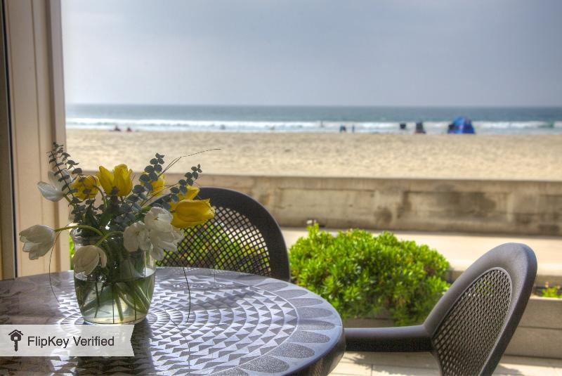 Oceanfront / On the Boardwalk / Spectacular Views, vacation rental in San Diego