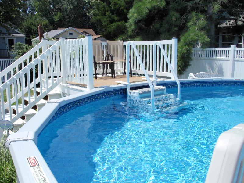21 foot above ground pool with deck