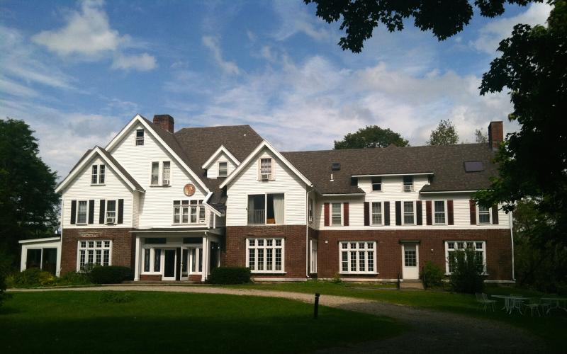 Your very own mansion! 5 acre estate in Manchester Village - privacy, sleep 34 guests!