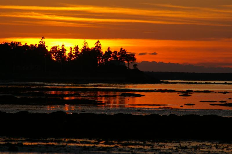Sunset on Northumberland Strait-5 mins from house