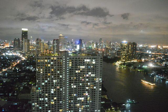 Riverside 40 floor stunning city view (2 BR), holiday rental in Bangkok