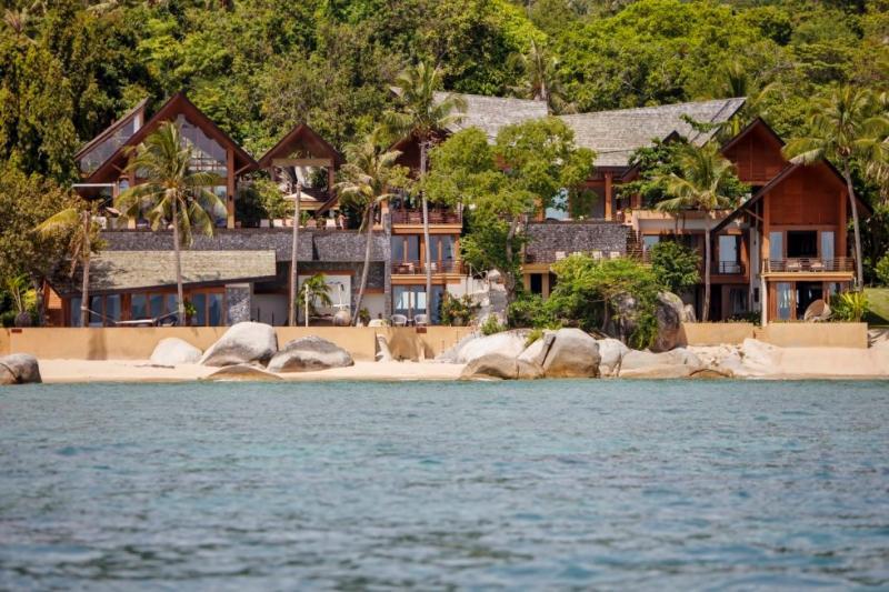 Baan Hinta e Baan Hinyai: Questo moderno complesso di fronte alla spiaggia dispone di due ville epiche