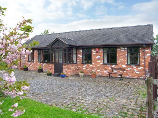 MOLLS COTTAGE, enclosed garden, single-storey, in Nantwich, Ref. 38061, holiday rental in Audlem