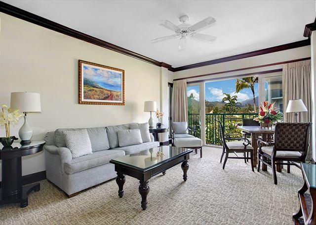 G303 - Beautiful Mountain View **AC** Resort Pool & Restaurant, location de vacances à Kauai