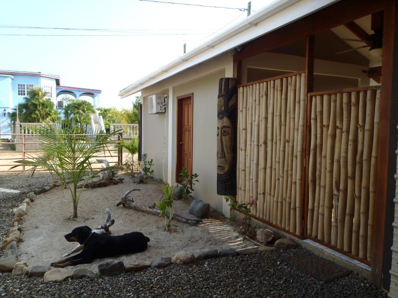 Placencia Guest house- a beautiful studio cottage, vacation rental in Seine Bight Village