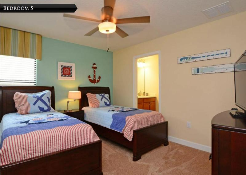 Theme Room 2 with two Twin Beds
