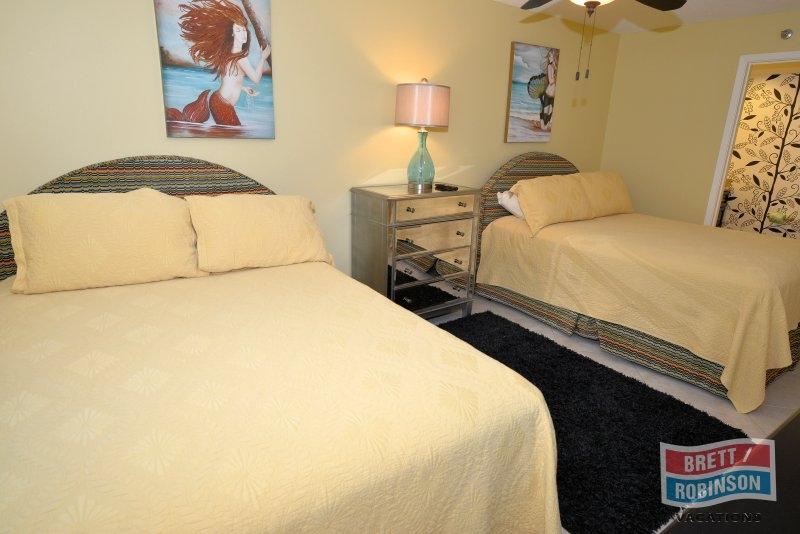 Phoenix East Orange Beach PE-503 Guest Bedroom.JPG