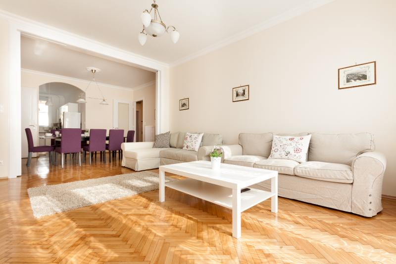 Very large New Renovation in the Center, vacation rental in Budapest