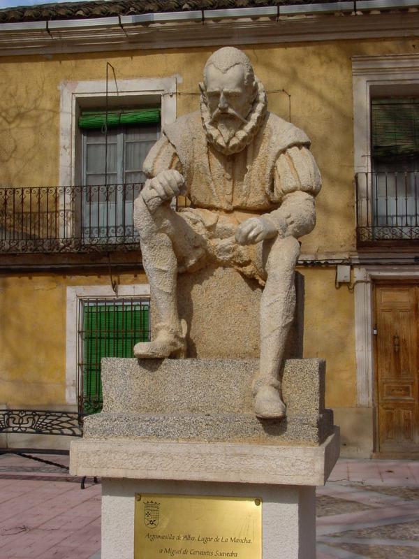 Plaza de Alonso Quijano.