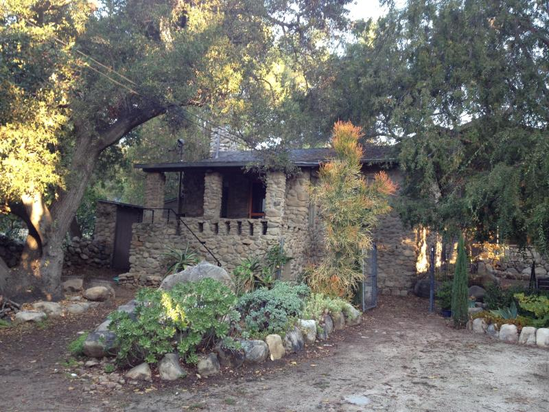 Classic Ojai cottage - updated