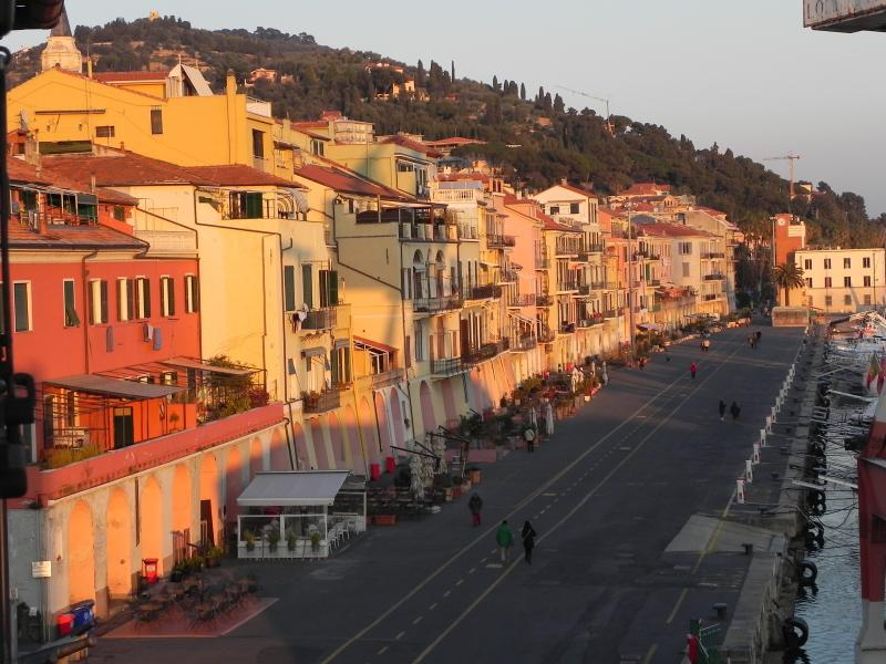 Beautiful apartment on the harbour Imperia Oneglia, vacation rental in Imperia