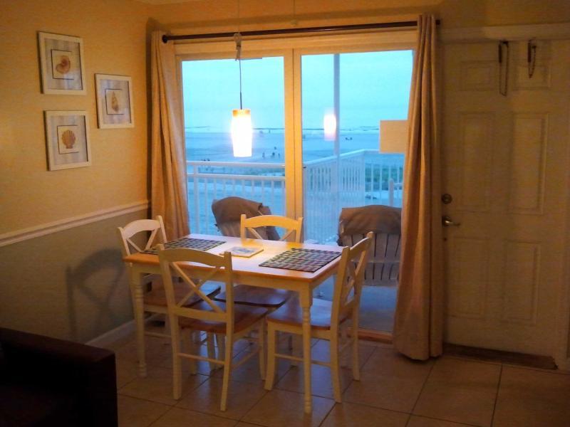 Wildwood Crest Ocean & Beach Front- Full Ocean View, Wi-Fi, vacation rental in Wildwood Crest