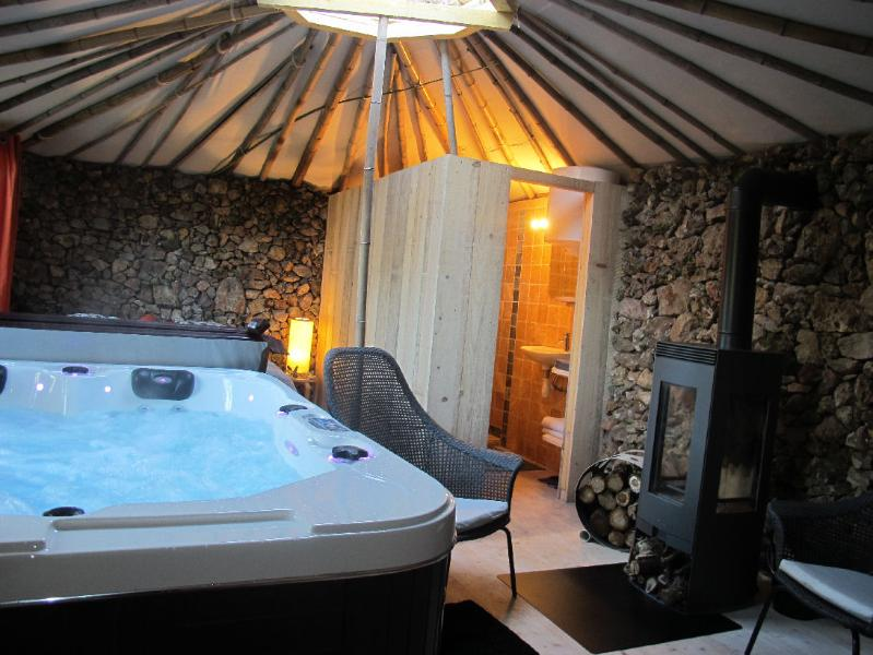 Pet-Friendly Vacation Rental with a Hot Tub and Patio, holiday rental in Var