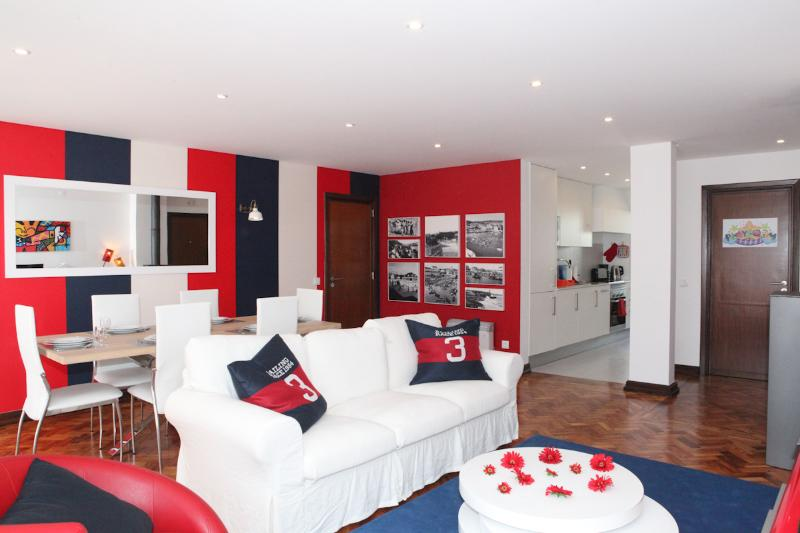 Fashionable & Modern apartment in the center of Cascais