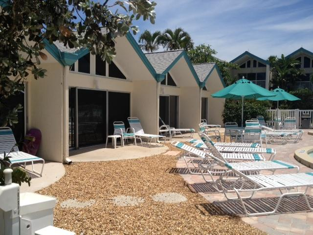 Coconuts Poolside Unit 102, vacation rental in Holmes Beach