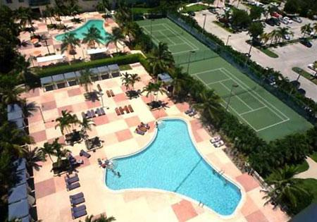 SWIMMING POOL AND TENIS COURT