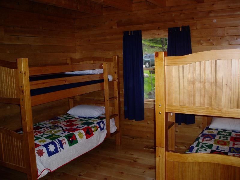 Kids room (4 twins)