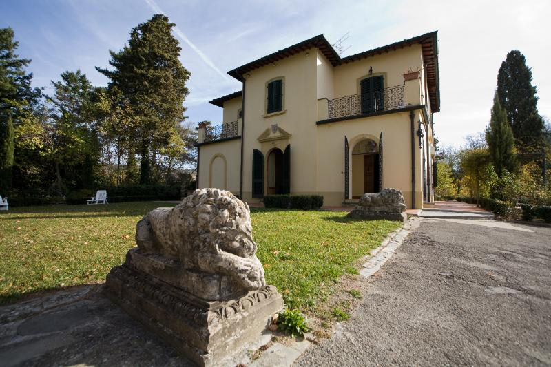 Beautiful Villa near Florence, holiday rental in Pratolino