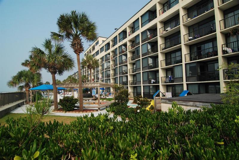 Oceanfront Condo Available July 4-11th - Cherry Grove, Beautiful View! $1,900, holiday rental in Longs