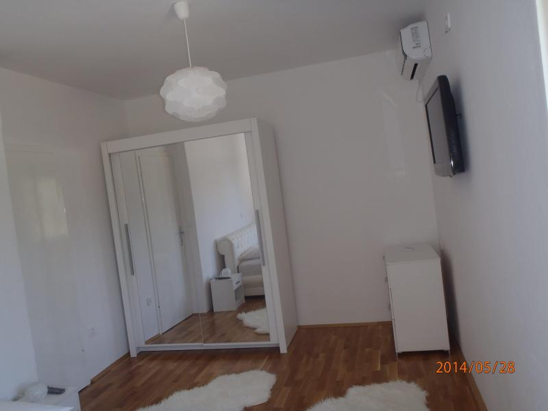 Room 1 with TV