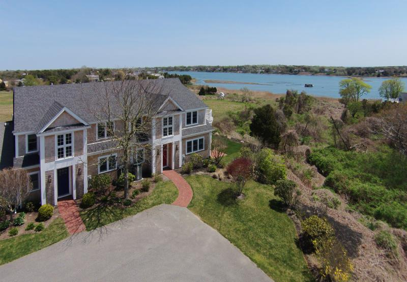 Spectacular Waterfront Home - Oyster Pond 31&32, location de vacances à West Chatham