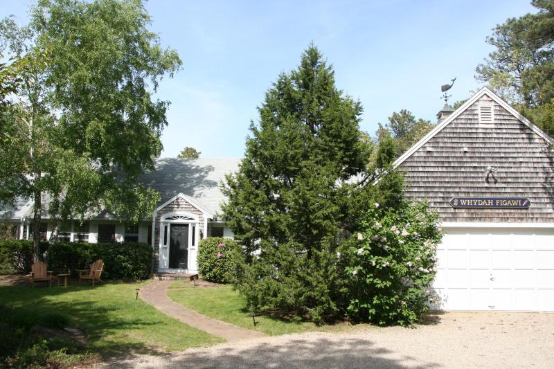 Quintessential Cape Cod Vacation Home in N.Chatham, holiday rental in North Chatham