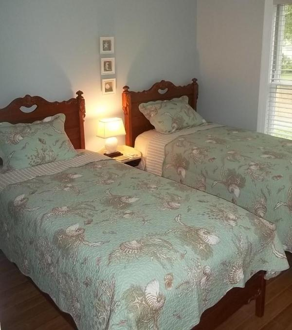 Twin Beds- 2nd bedroom