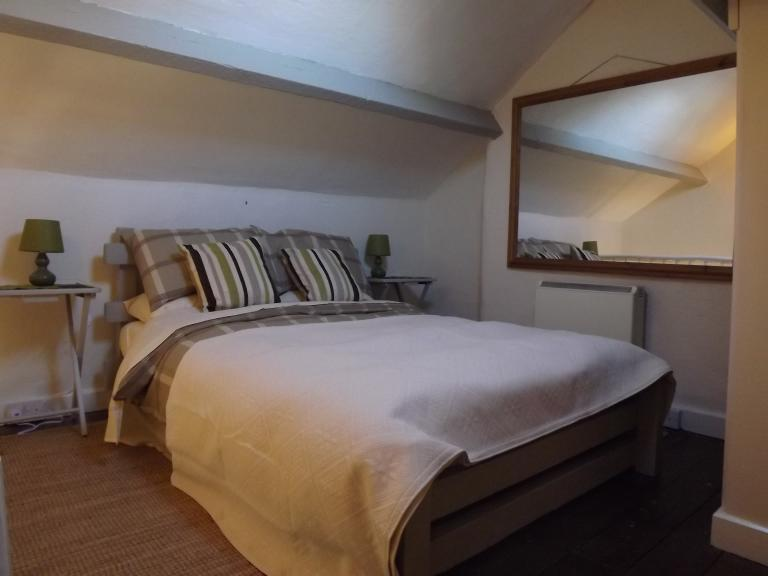 Coedmor Cader Cottage Bedroom