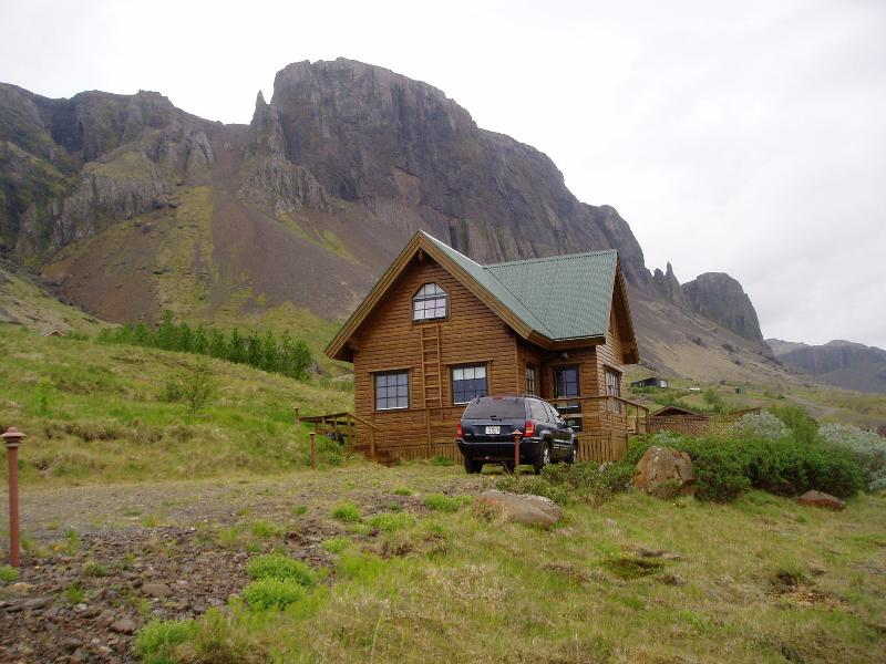 West Iceland - Spacious Comfort - Great View, holiday rental in Bifrost