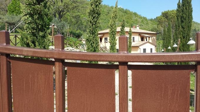 CASOLARE IN CAMPAGNA - MONOLOCALE LA MANGIATOIA, holiday rental in Castel Ritaldi