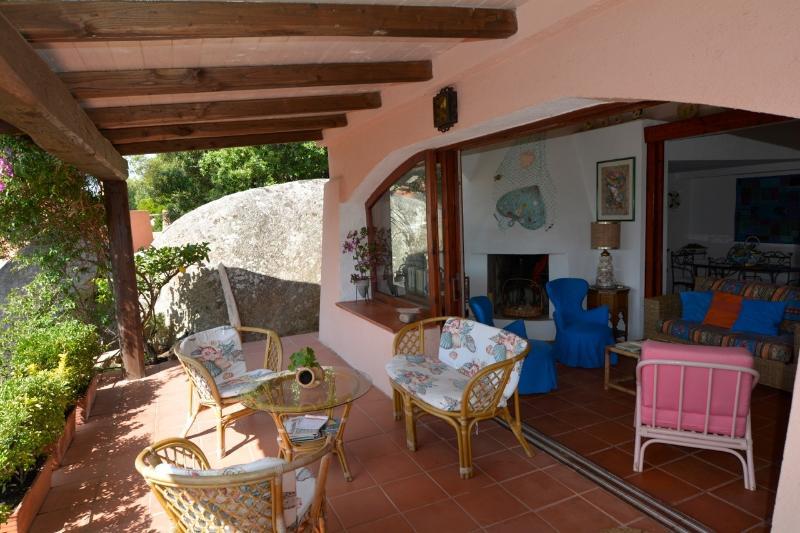 villa Almar indipendente con giardino, vacation rental in Porto Rafael