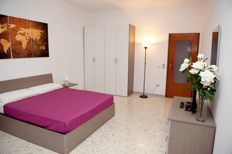 Double Bedroom 'A' - Camera Matrimoniale