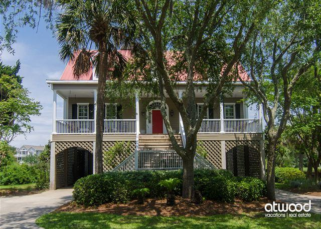 Cat's Cottage - 5BR/4BA Beach Walk Home With Views & Tasteful Decor, holiday rental in Edisto Island