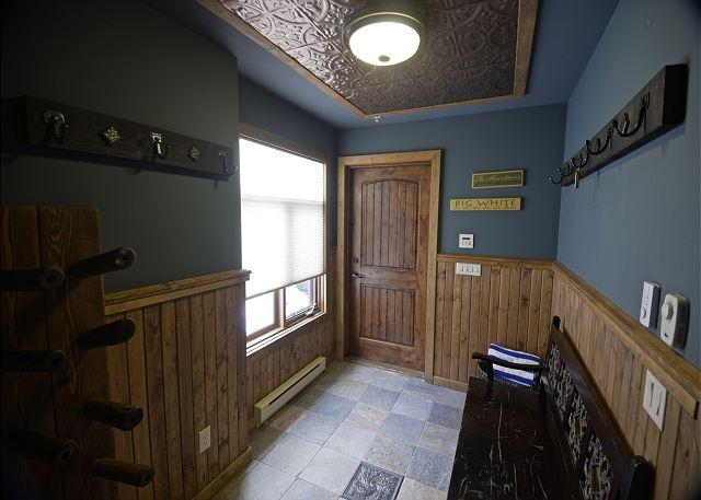 Longhorn Lodge