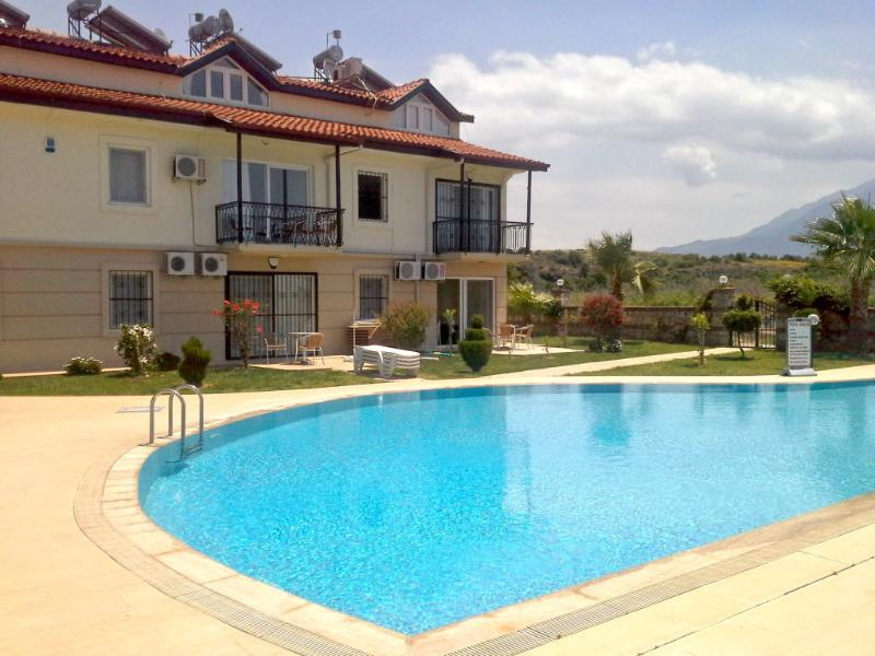 Calis Beach 2 Bedroom Holiday Apartment, holiday rental in Fethiye