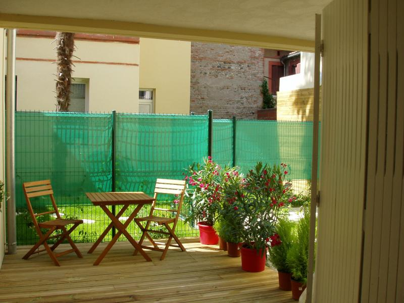 The Sanctuary, private aparthotel, vacation rental in Toulouse