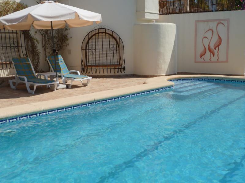Terrasse de la piscine