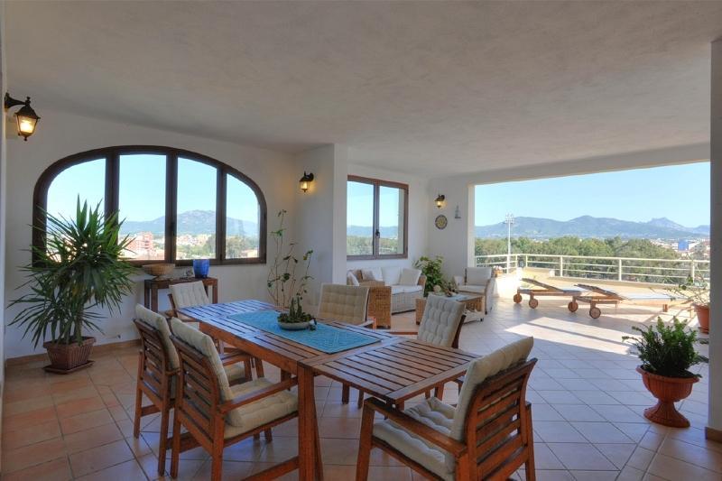 Een terras van Olbia Sardinië om lief te hebben