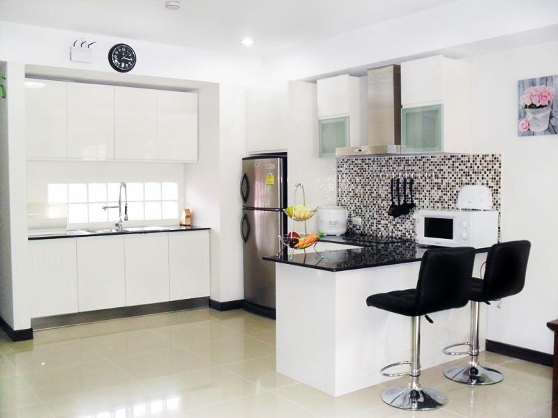 Stunning 2 bedroom Apartments, holiday rental in Patong