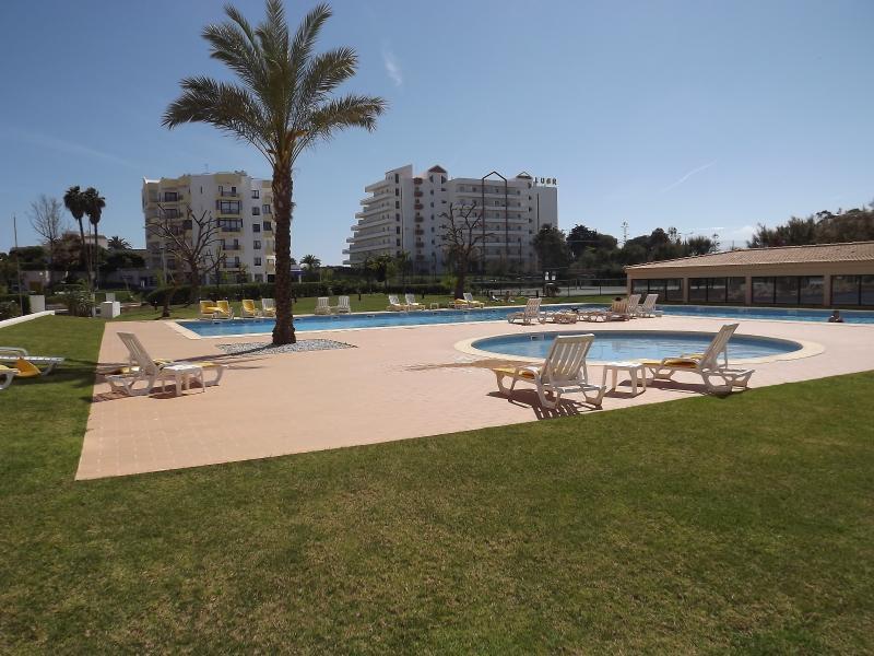 2 Bed Apartment - Praia da Rocha, location de vacances à Praia da Rocha