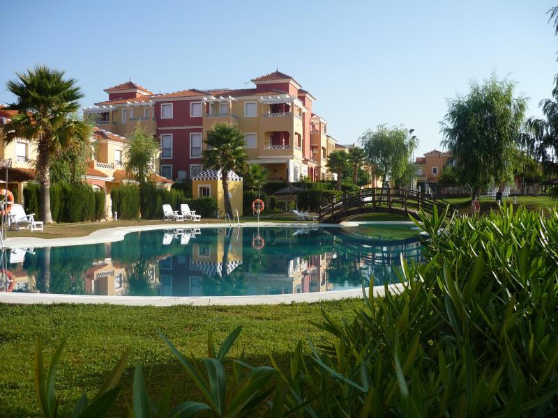 Apartamento en Isla Antilla, holiday rental in Lepe